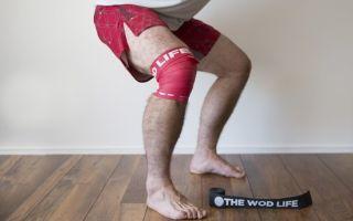 Хруст в коленях при приседании: причины и лечение