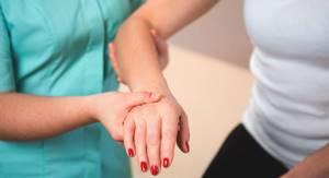 Как определить перелом кисти руки