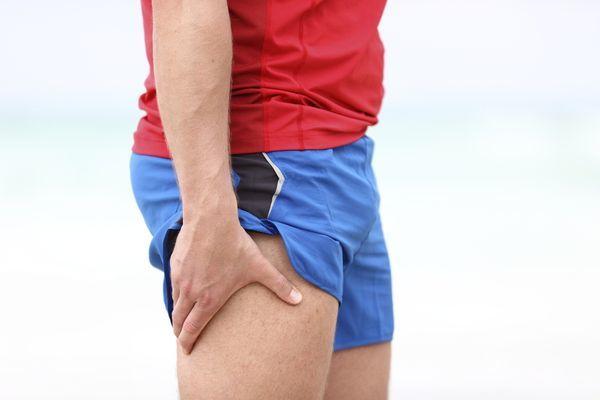 Гематома на ноге после ушиба: лечение, мазь, гель
