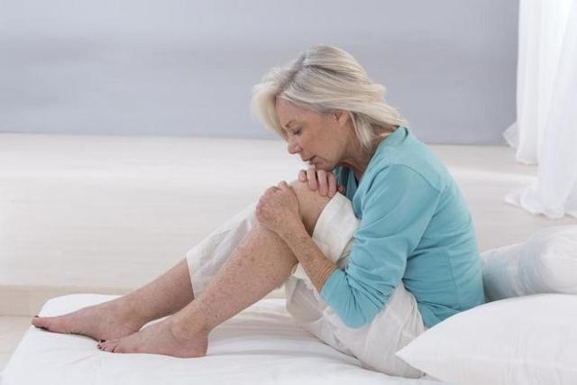Мазь для колена от хруста: средства, препараты