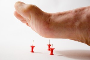 Немеет правая сторона тела: причины, что делать