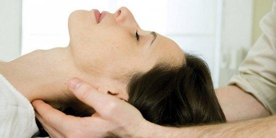 Лечение грыжи шейного отдела позвоночника: без операции, ЛФК