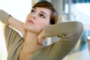 Болит шея с правой стороны: сзади, спереди, плечо, боль
