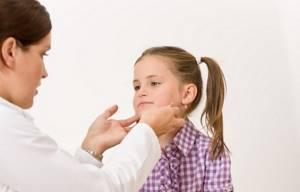 Подвывих шейного позвонка у ребенка: ротационный, новорожденных