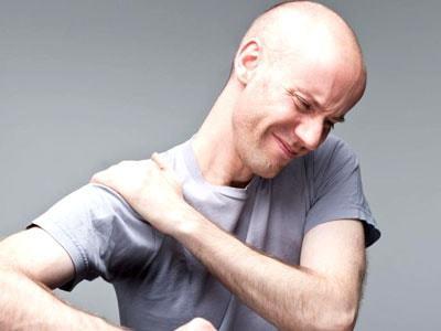 Мазь от боли в плечевом суставе: гель, чем мазать