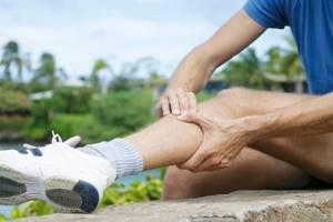Болят икры ног: у женщин, у мужчин, причины, от чего