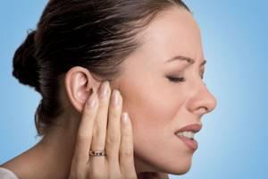 Немеют уши: причина, левое, правое, во время сна