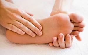 Немеет икра правой ноги: болит, онемение, дискомфорт