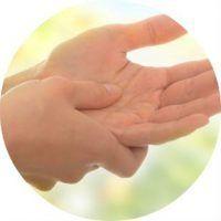 Немеет правая рука: причины, не проходит, что делать