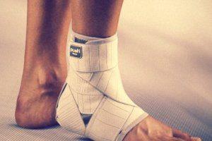 Корсет для ноги после перелома голеностопа: бандаж, ортез