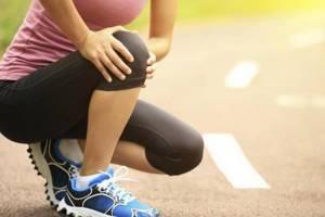 Хруст в коленях при приседании: причины, лечение, как избавиться