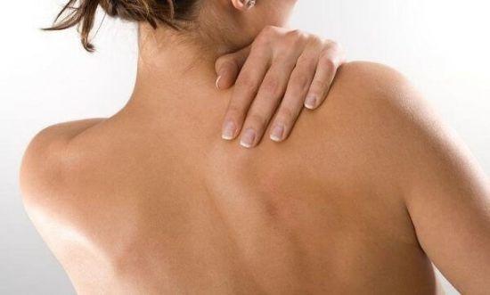 Почему болит плечо левой руки