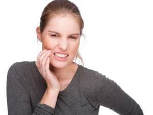 Зуб мудрости растет и болит десна: что делать, чем обезболить
