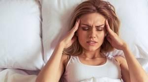 Болит голова и тошнит: причины у женщин, головная боль