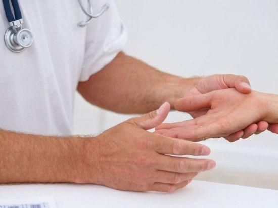 Немеют пальцы левой руки: причина и что делать, почему онемели