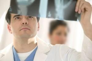 Компрессионный перелом позвоночника у детей: лечение, реабилитация