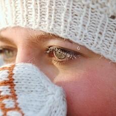 Болит левый глаз: почему боль, причины, сильная