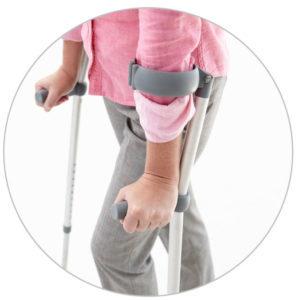 Как правильно ходить на костылях при переломе нижних конечностей