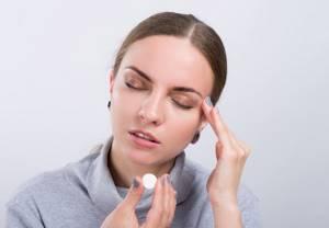 Головная боль в области лба: причины, у взрослых, что делать