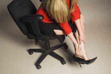 Почему немеет большой палец на ноге и что делать: причины, в каких случаях стоит опасаться, диагностические мероприятия и способы лечения