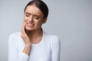 Немеет челюсть: причины, если онемела, что делать