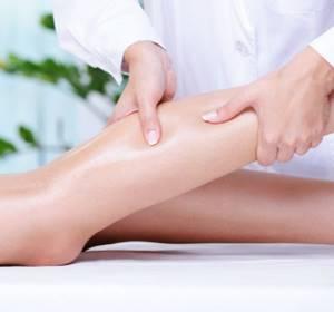 Немеет нога от колена до ступни: причины и лечение