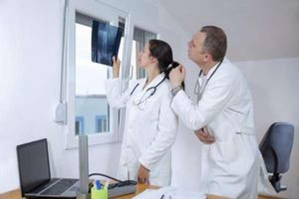 Компрессионный перелом позвоночника грудного отдела: лечение у взрослых