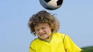 У ребенка болит голова в лобной части без температуры: причины