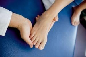 Немеют большие пальцы на ногах: причина и что делать