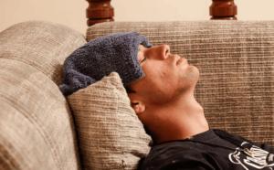 Ушиб головы: лечение в домашних условиях, первая помощь, что делать