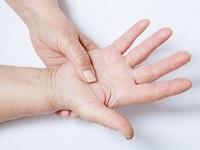 Немеет правая рука от локтя: до пальцев, причины, лечение