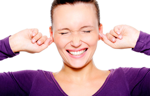 Онемело ухо: кончик, возле, ушная раковина, причины