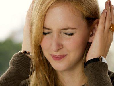 Ушиб стопы: опухла, что делать, лечение в домашних условиях