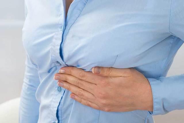Перелом ребра: симптомы и лечение в домашних условиях, признаки